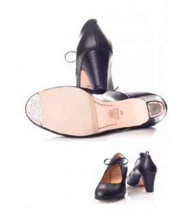 Leather flamenco shoes with a bow, Model 573063