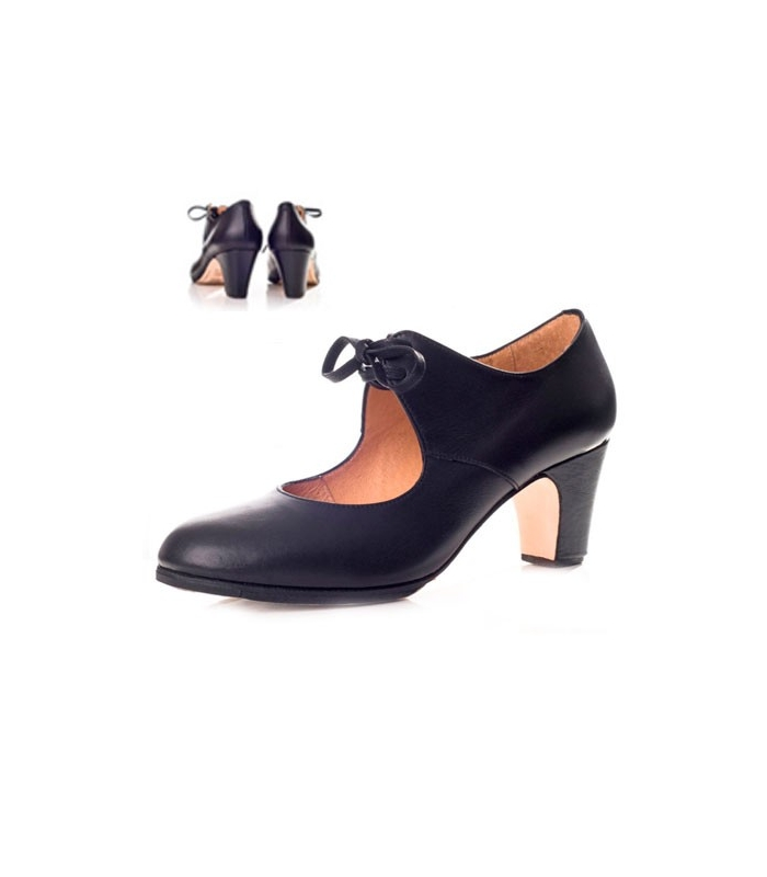 39662860 Leather Flamenco shoes with a bow, model 573063