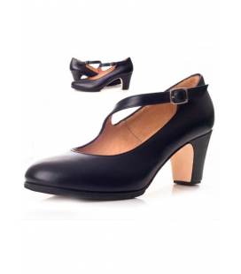 Flamenco shoes with diagonal strap, model 573061