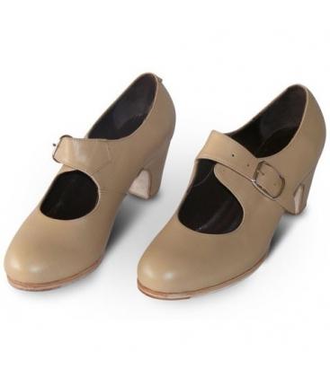 flamenco dancing shoes